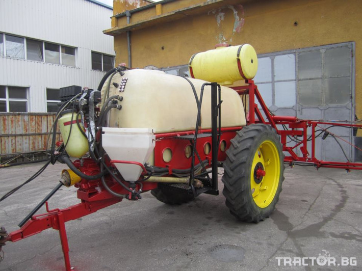 Пръскачки 2600 8 - Трактор БГ